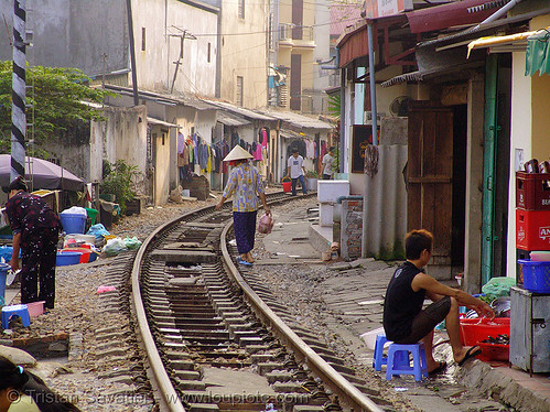 8608 - vietnam - Train track or street?