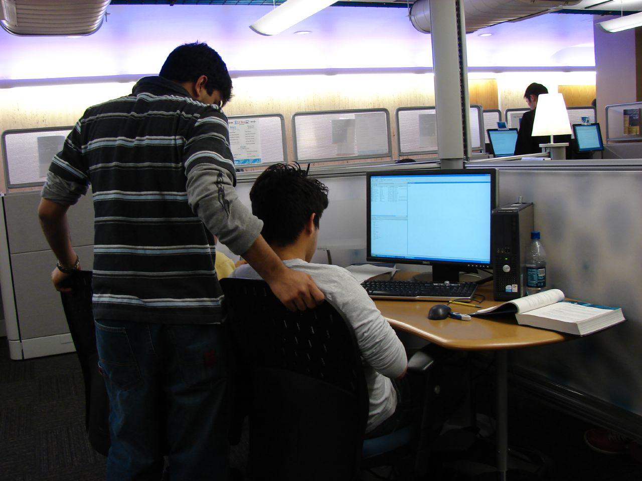 Legittimo il licenziamento del dipendente che utilizza il pc dell'ufficio per fini personali