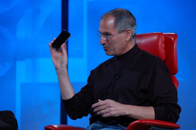 Steve Jobs with iPhone at D5