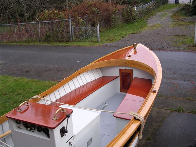 Wood fishing boat for lakes for Plywood fishing boat plans