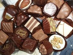 icing(0.0), chocolate brownie(0.0), baking(1.0), chocolate truffle(1.0), petit four(1.0), brown(1.0), sweetness(1.0), bonbon(1.0), food(1.0), chocolate(1.0), snack food(1.0), praline(1.0),