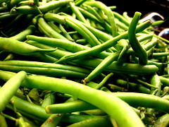 choy sum(0.0), plant(0.0), snap pea(0.0), bird's eye chili(0.0), crop(0.0), plant stem(0.0), vegetable(1.0), green bean(1.0), produce(1.0), food(1.0), common bean(1.0),