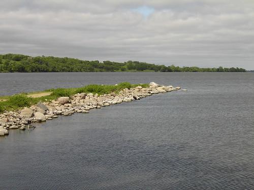 trees lake pelicans water minnesota rocks cloudy rocky windy peninsula mn murraycounty landof10000lakes justnotinthisshot coryfunk