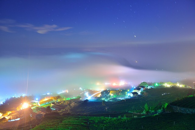Nightfall at tea field 頂石棹