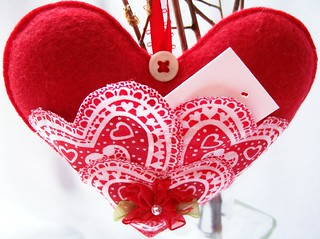 red felt triple heart love note pocket