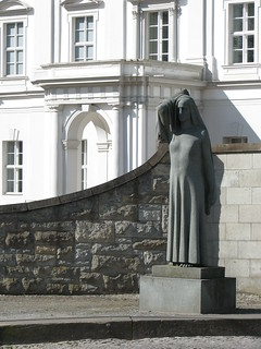 Denkmal: Die Anklagende