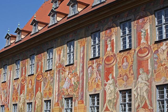 Altes Rathaus wall