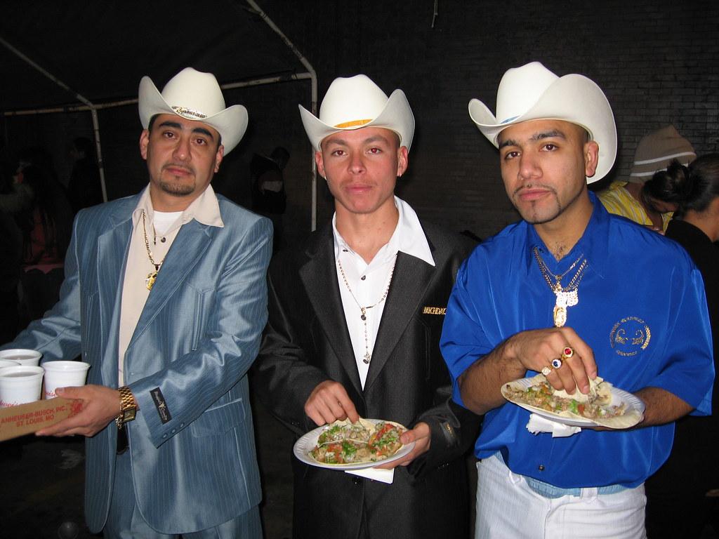 tacos y taco hats  98e56dbf37e