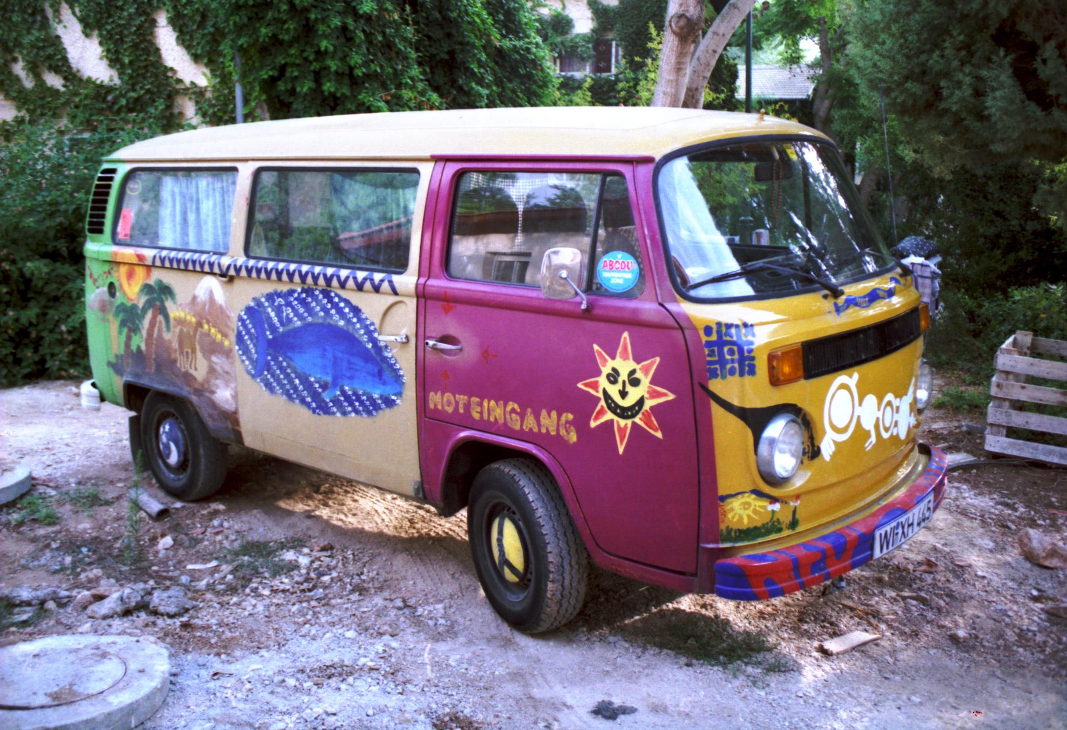 our hippie volkswagen bus 1 flickr photo sharing. Black Bedroom Furniture Sets. Home Design Ideas