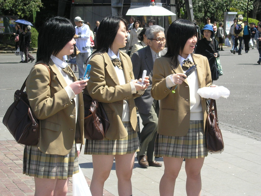 Japanese School Girls - a photo on Flickriver