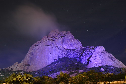 Peña de Bernal Iluminada 1 /Bernal Rock Illuminated 1