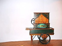 Old barrel organ by Julie70