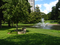 botanical garden, garden, water feature, grass, tree, yard, landscaping, fountain, lawn, pond, park,