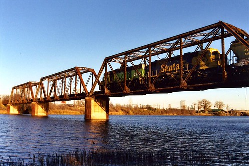 railroad travel bridge sunset santafe train river photo texas waco photos bridges locomotive railroadbridge 200312 railfan span bridging truss brazosriver bridgepixing bridgepix bridgeblog