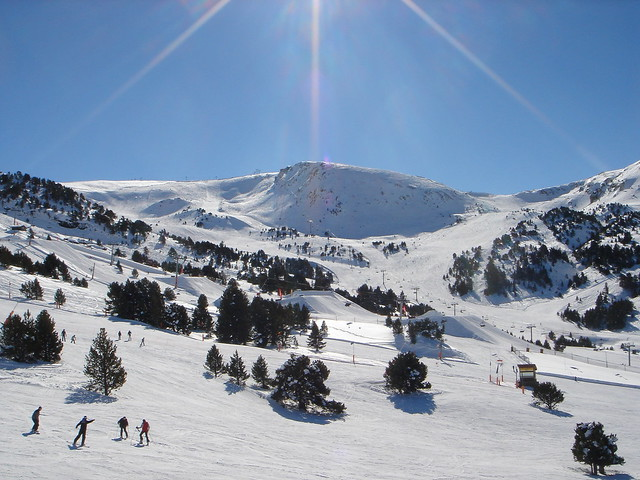 Andorra skiing by CC user krass on Flickr