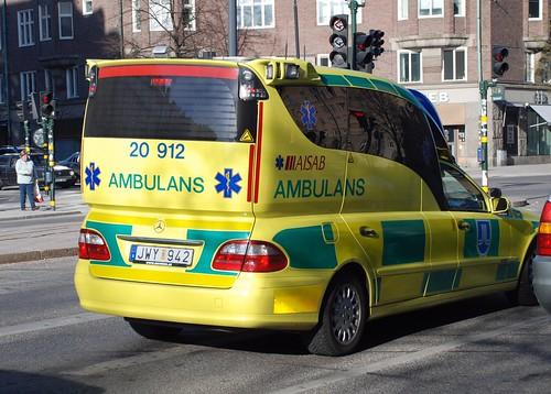 Ambulans i Stockholm, bildlänk till upphovsman på Flickr