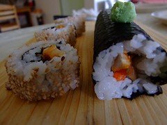 meal(1.0), california roll(1.0), fish(1.0), sushi(1.0), gimbap(1.0), japanese cuisine(1.0), food(1.0), dish(1.0), cuisine(1.0), asian food(1.0), onigiri(1.0),