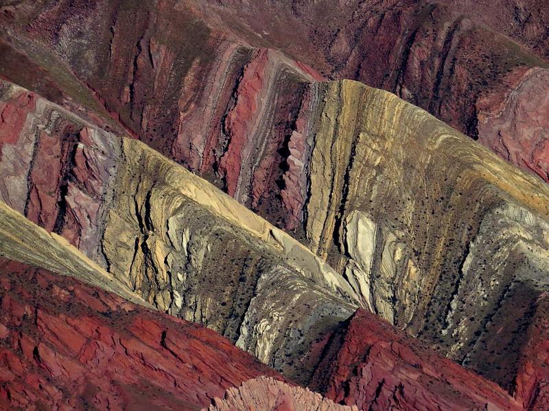 19692853156_f959d0248c_c Les différentes montagnes arc-en-ciel dans le monde
