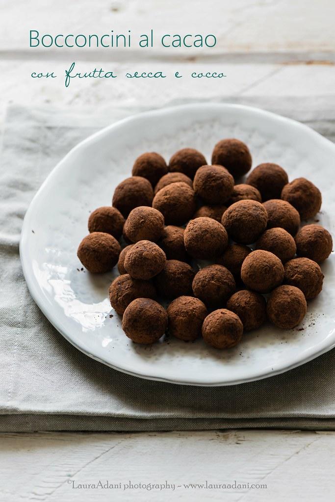 bocconcini al cacao  con frutta secca e cocco