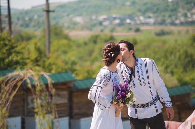 Complexul  Etno-Cultural VATRA > Nunta la Vatra. Altfel