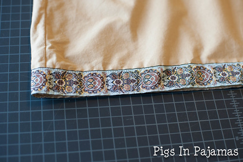 Medieval Men's Costume shirt trim