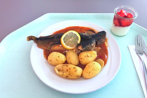 Trout balkan style with rosemary potatoes / Forelle Balkan Art mit Rosmarinkartoffeln