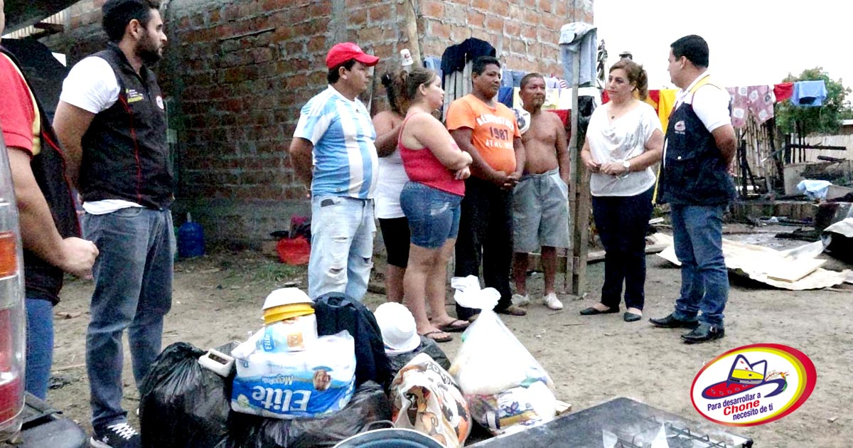 Afectados por incendio reciben ayuda de Alcaldía