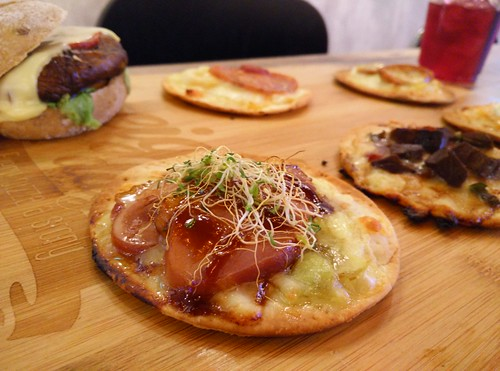 Six Pizza and Slider Set