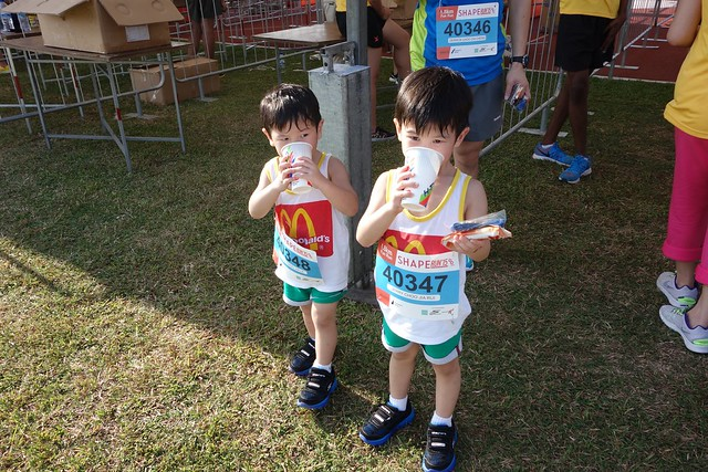 Jerry & Jerome enjoying their cold isotonic drink!