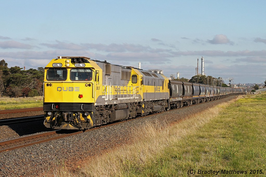GML10-RL309 with 7737 up empty Qube SG grain from Nth Geelong to Somerton at Corio (11/6/2015) by Bradley Matthews
