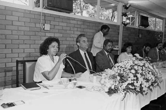 Café da Manhã com Embaixadores e Adidos Culturais da América Latina em 04/05/1989