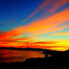 Loving the #seattle #sunsets @jutecht\'s place!