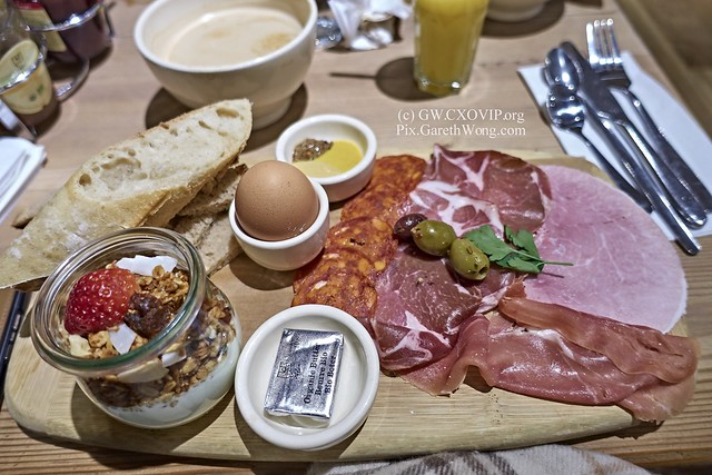 Big breakfast at Le Pain Quotidien Dec2016 from RAW via CaptureOne _DSC3998