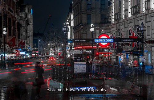 Busy Piccadilly Circus