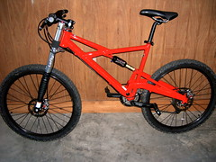 road bicycle(0.0), bicycle motocross(0.0), bmx bike(0.0), cyclo-cross bicycle(0.0), extreme sport(0.0), bmx racing(0.0), mountain bike(1.0), wheel(1.0), vehicle(1.0), freeride(1.0), sports equipment(1.0), downhill mountain biking(1.0), hybrid bicycle(1.0), cycle sport(1.0), racing bicycle(1.0), land vehicle(1.0), bicycle frame(1.0), mountain biking(1.0), bicycle(1.0),