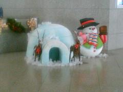 santa claus(0.0), inflatable(0.0), christmas decoration(1.0), christmas(1.0), snowman(1.0),