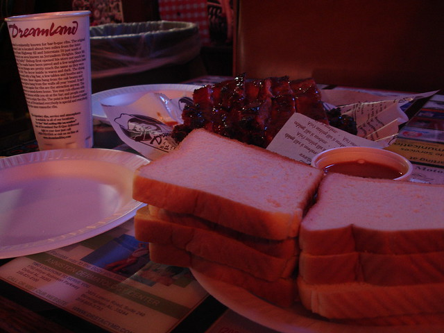 Ribs & Bread, Dreamland in Tuscaloosa