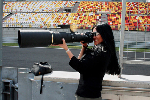 Sometimes a Spy gets Spied!!! Spy shot of me & my bazooka lens *Lol