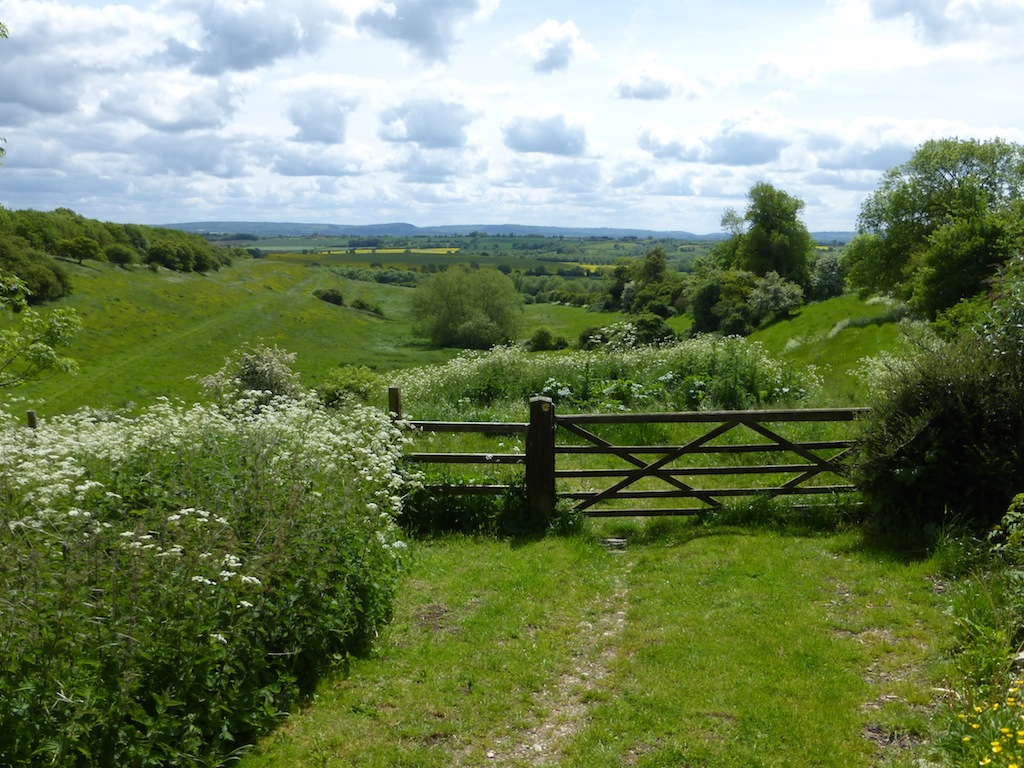 Upper Winchendon, looking back Haddenham to Aylesbury via Waddesdon walk