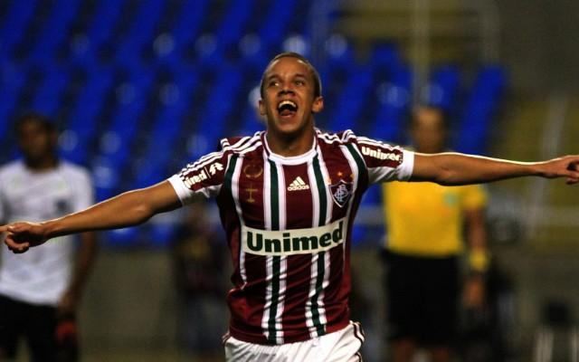 Marcos J�nior revela que cogitou largar o futebol