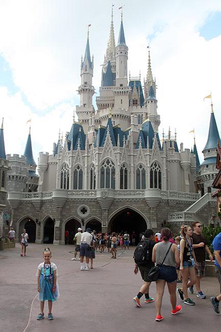 BBB_Aut-if-front-of-Cinderella-Castle