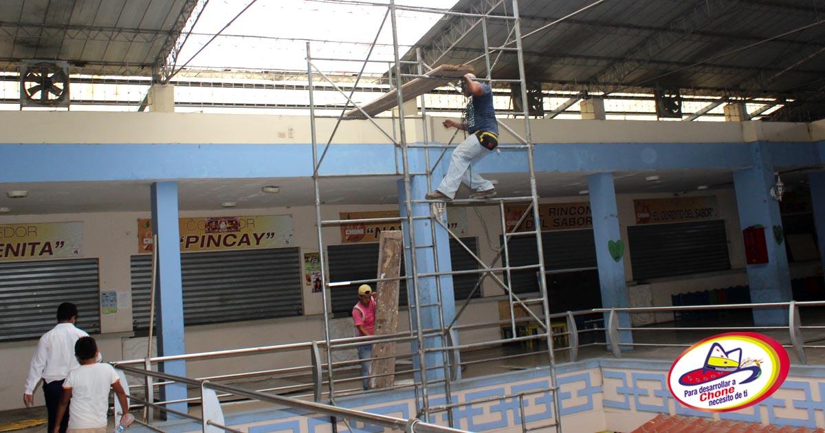 Por concluir techado del centro comercial