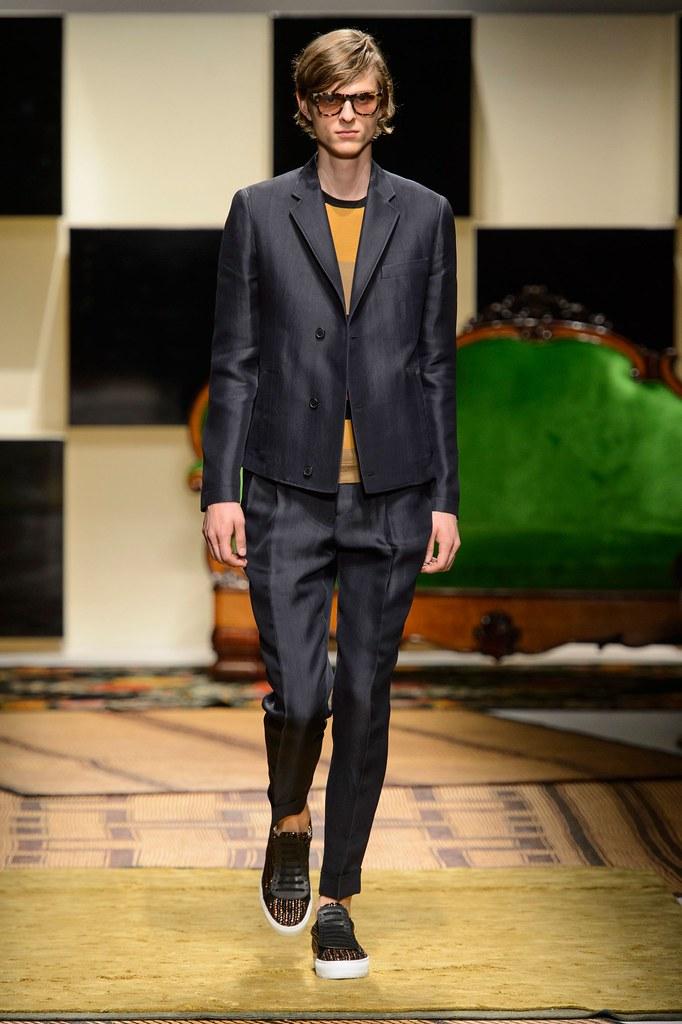 Elvis Jankus3254_SS16 Milan Salvatore Ferragamo(fashionising.com)