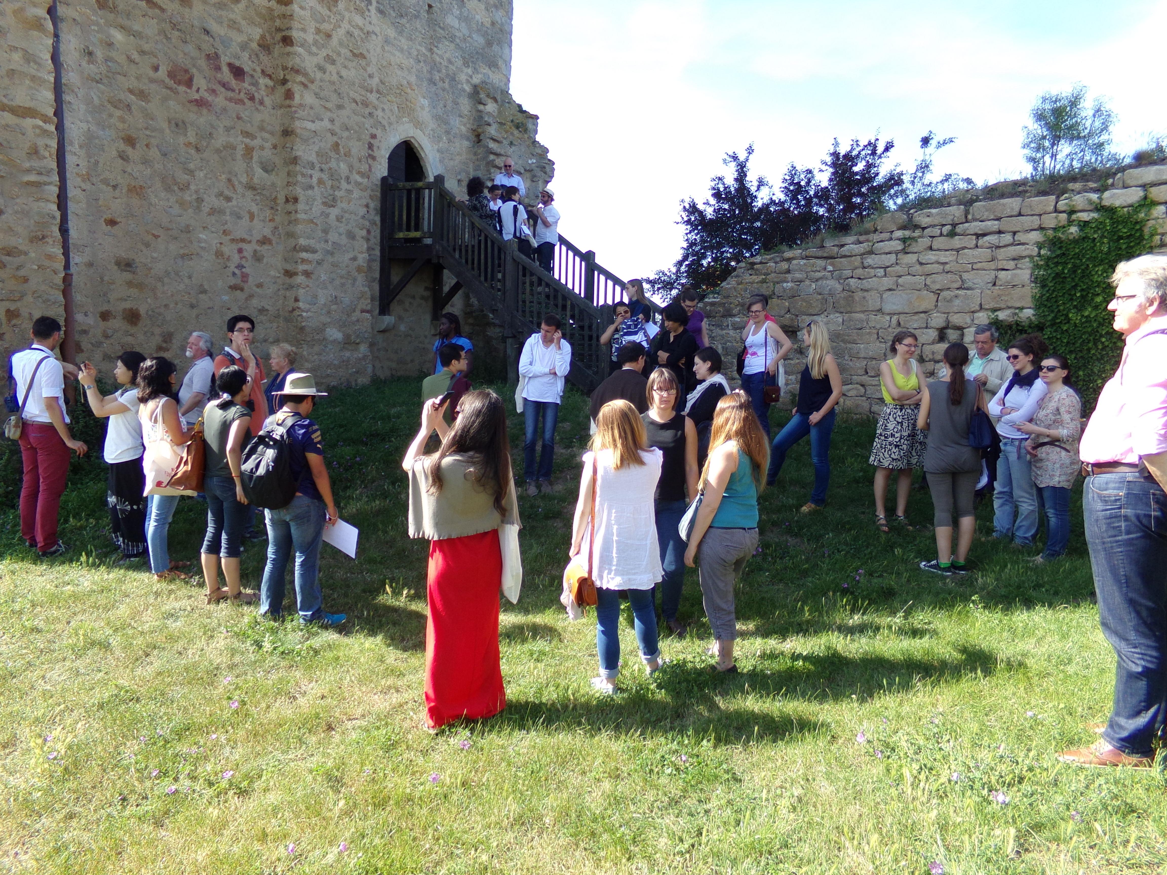 Des médiévistes en l'herbe à Moncountour