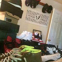 Shoeventory... #ppstwr #inventory #sneakerhead #wdywt #illest #igdaily #instagood #instafresh #swag #lovewhatyoudo #lookMomiCanFly #skate #mj23 #todayskicks #TakeOverTheBreaksOver #stayfit #stayfresh #hustleharder #creativity #classic #NeverPanic #nike #f