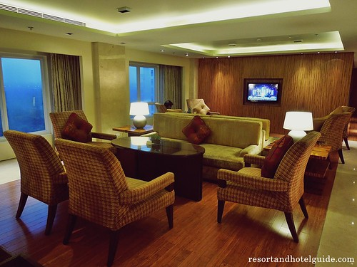 The Marriott Hotel - Executive Lounge (5)