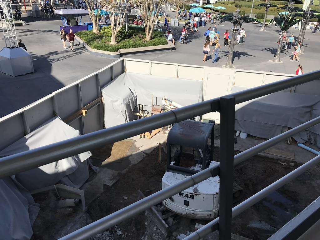 The rumored location in Tomorrowland for the new Joffrey's kiosk.