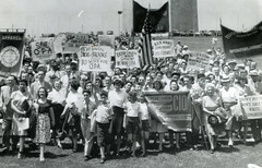 Unions rally to save price controls: 1946