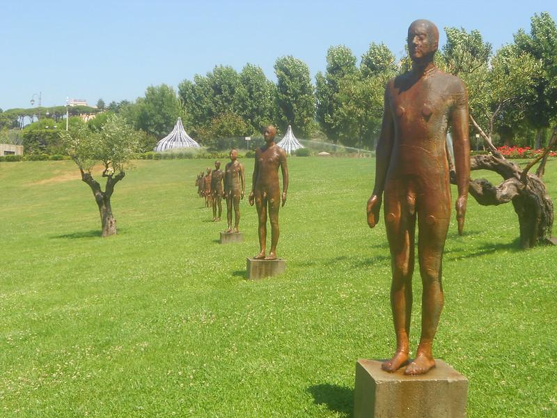 Antony Gormley, Seven Times, Parco Internazionale della Scultura, Catanzaro