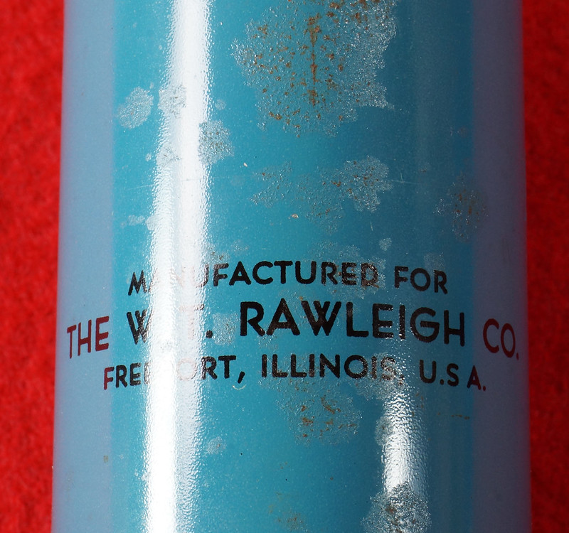 RD9051 Vintage Pump Sprayer Insect Duster Rawleigh Products Co.- Freeport, Ill. DSC08039